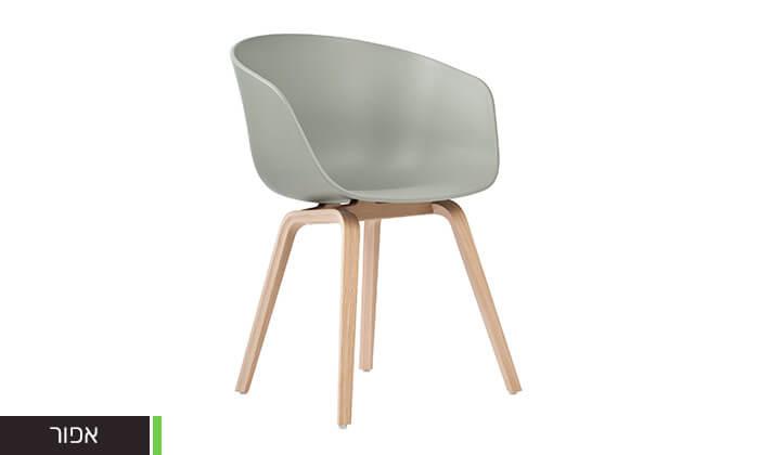 9 כסא בעיצוב מעוגל