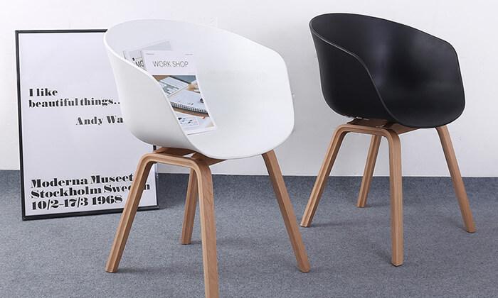 2 כסא בעיצוב מעוגל