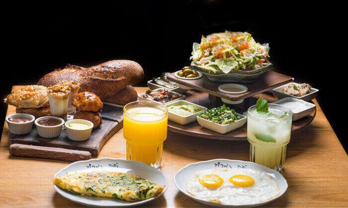 2 ארוחת בוקר זוגית בקפה נמרוד, אבן גבירול תל אביב