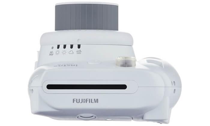 8 מצלמת Fuji Instax